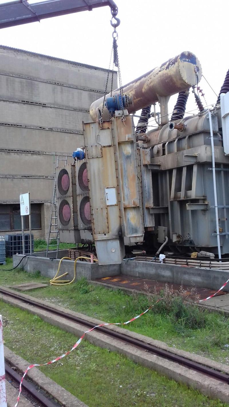 Intervento di manutenzione su trasformatore